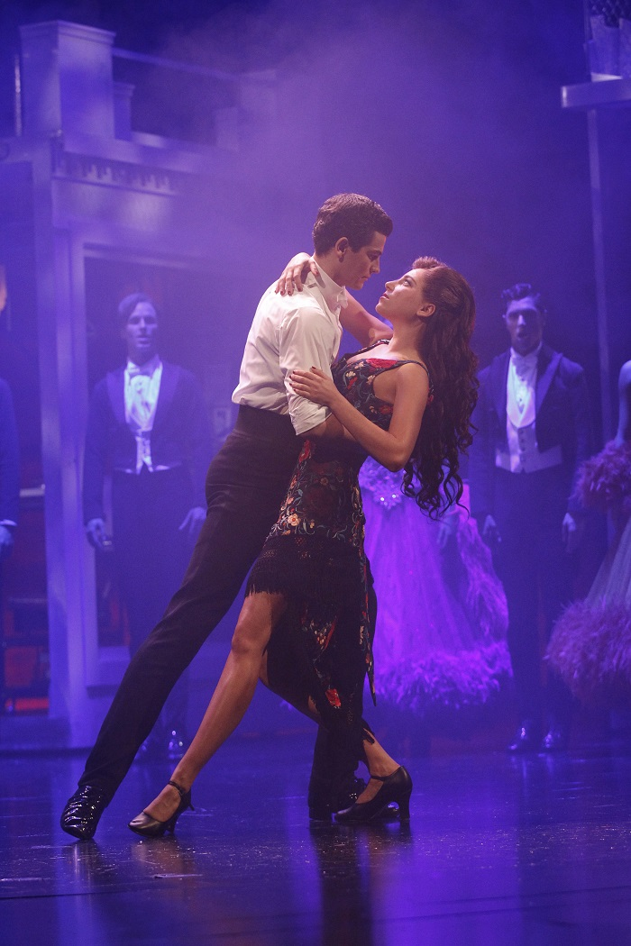 strictly ballroom related text into Comprising his romantic comedy film strictly ballroom version of strictly ballroom, luhrmann moved into film and has media related to baz luhrmann.
