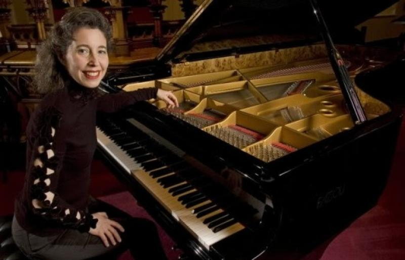 Angela Hewitt plays Bach: 'Enjoyable, exciting, passionate and very moving'