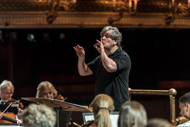 The mighty handful roh orchestra pappano royal opera for Orchestral house music