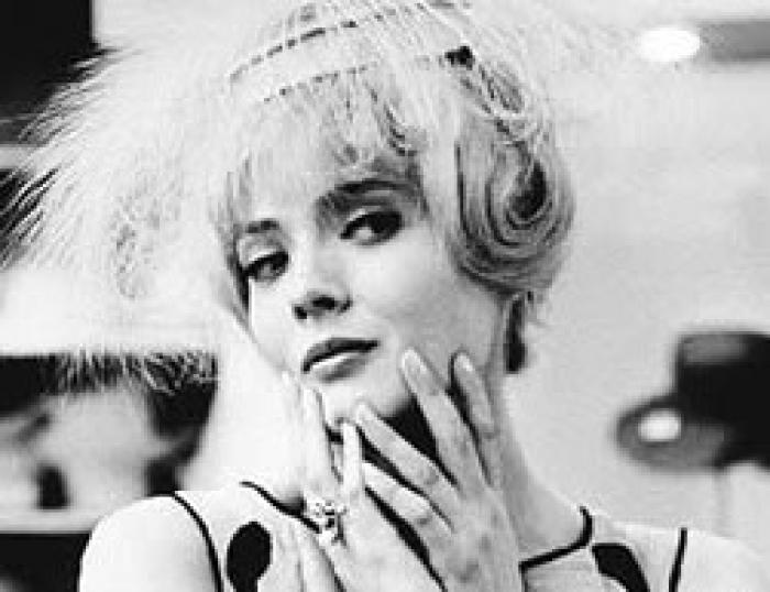 Cleo from 5 to 7 movie scenes Corinne Marchand in Agn s Varda s Cl o from 5 to 7