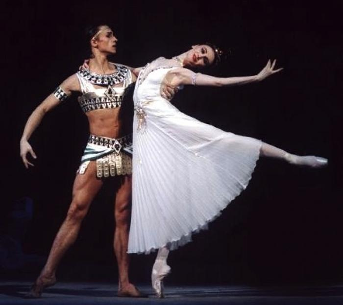 Sergei Filin with Svetlana Zakharova in The Pharaoh's Daughter at the Bolshoi