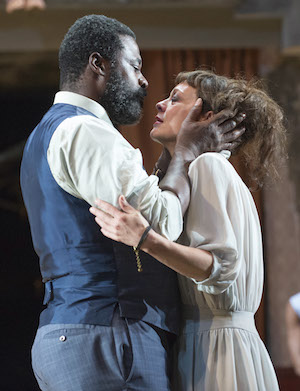 Medea (Helen McCrory) with Jason (Danny Sapani)