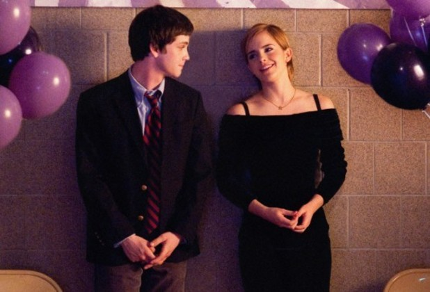 Charlie (Logan Lerman) and Sam (Emma Watson) attend a school dance.