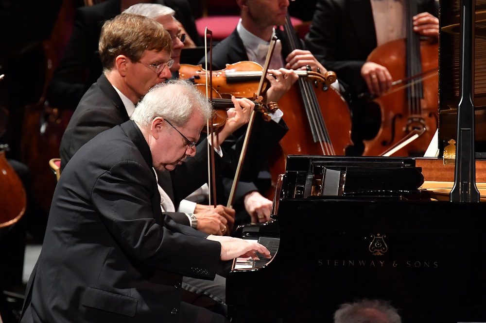 Emanuel Ax performs Mozart's Piano Concerto No. 14 with the Vienna Philharmonic under conductor Michael Tilson Thomas at the BBC Proms 2017