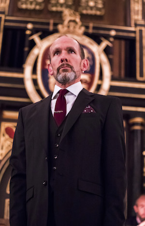 Simon Paisley Day as Walter Ralegh