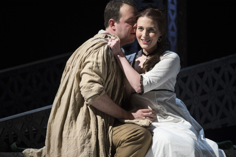 Samuel Sakker (Cavaradossi) and Paula Sides (Tosca) - picture by Richard Hubert Smith