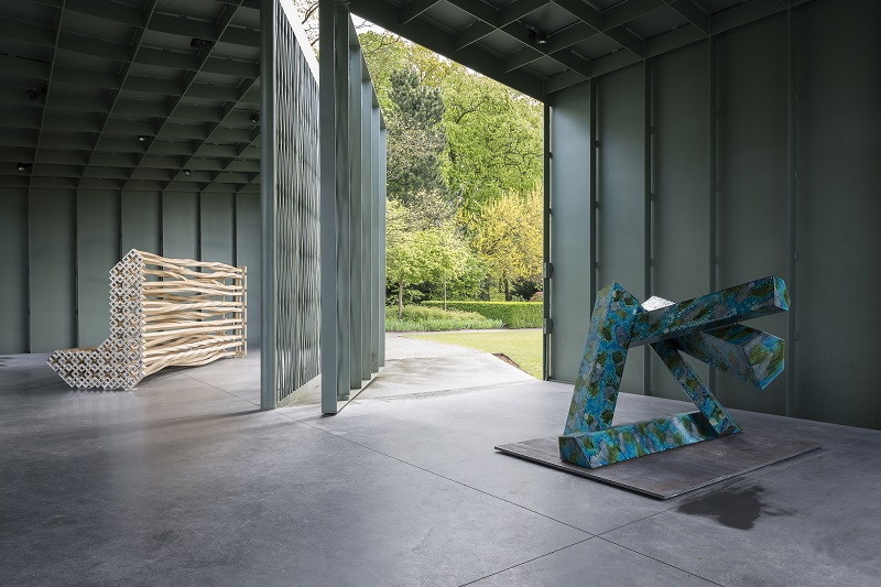Richard Deacon, (left) 2013, 'I Remember (3)', Wood and Stainless Steel