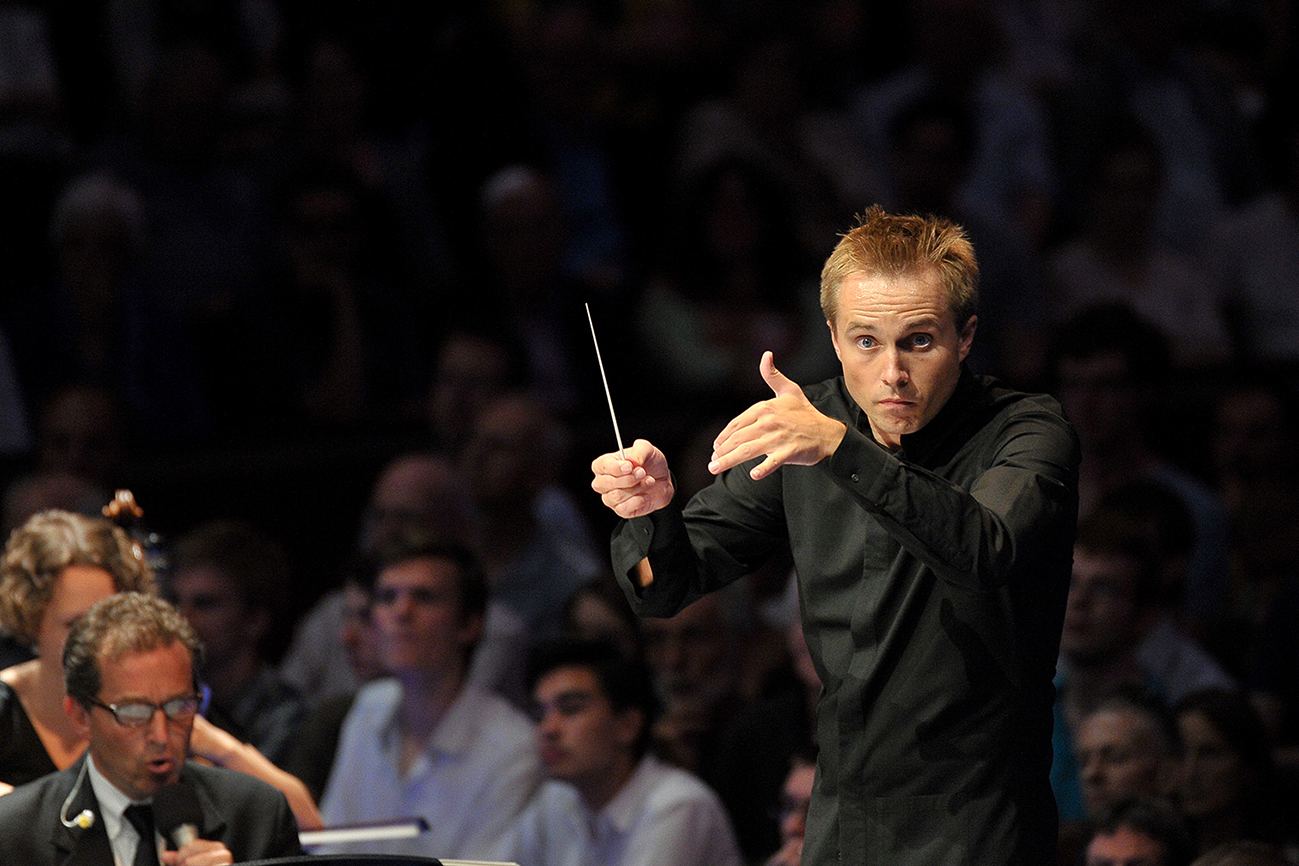 Vasily Petrenko conducting the EUYO