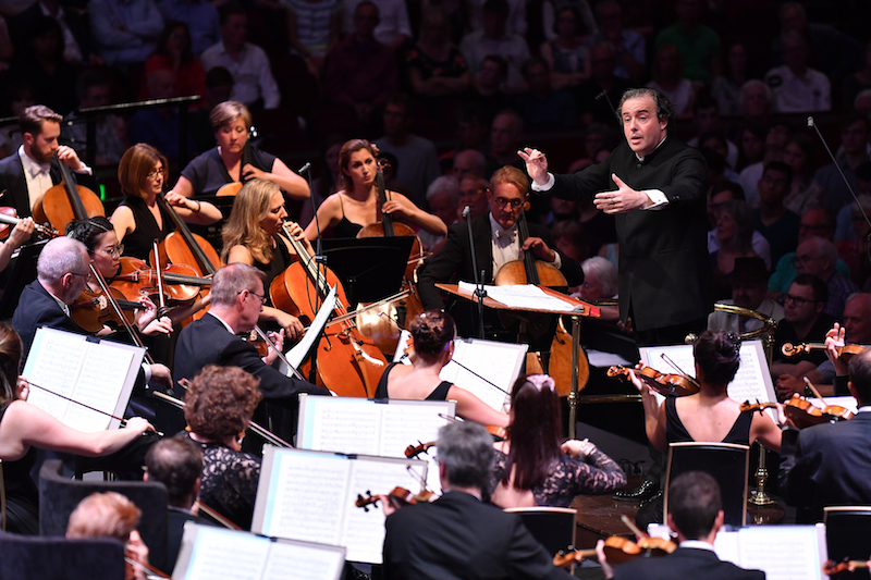 Juanjo Mena conducts the BBC Philharmonic at the Proms