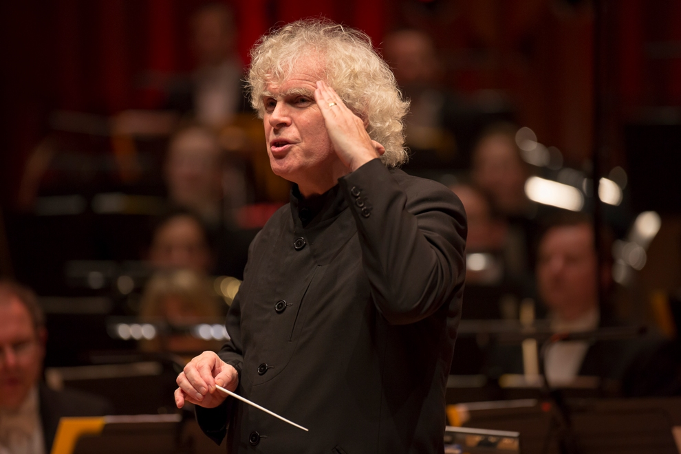 Simon Rattle reacting to Barbara Hannigan