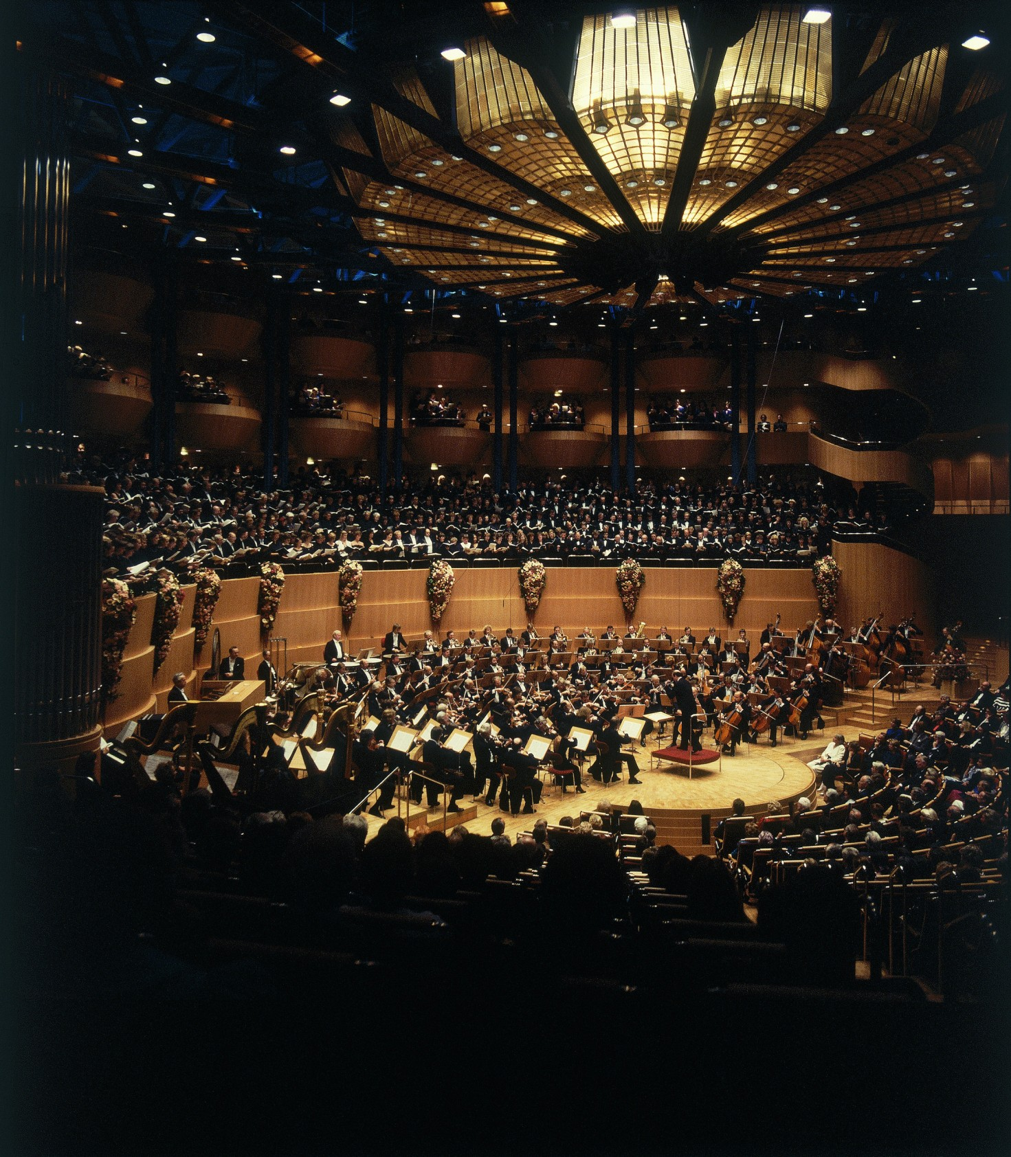 1986 opening of Cologne Philharmonie with Mahler 8