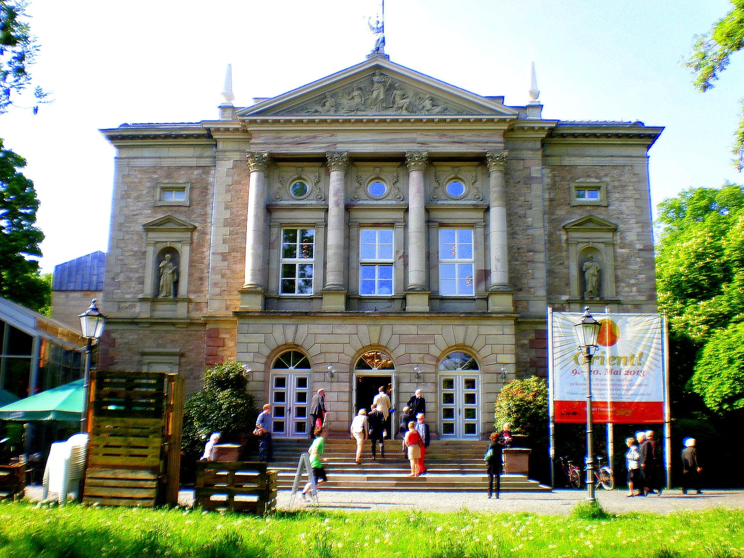 Deutsches Theater Gottingen during the Handel Festival, photo by David Nice