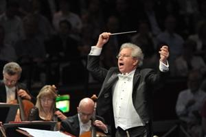 Belohlavek conducting the BBC Symphony Orchestra
