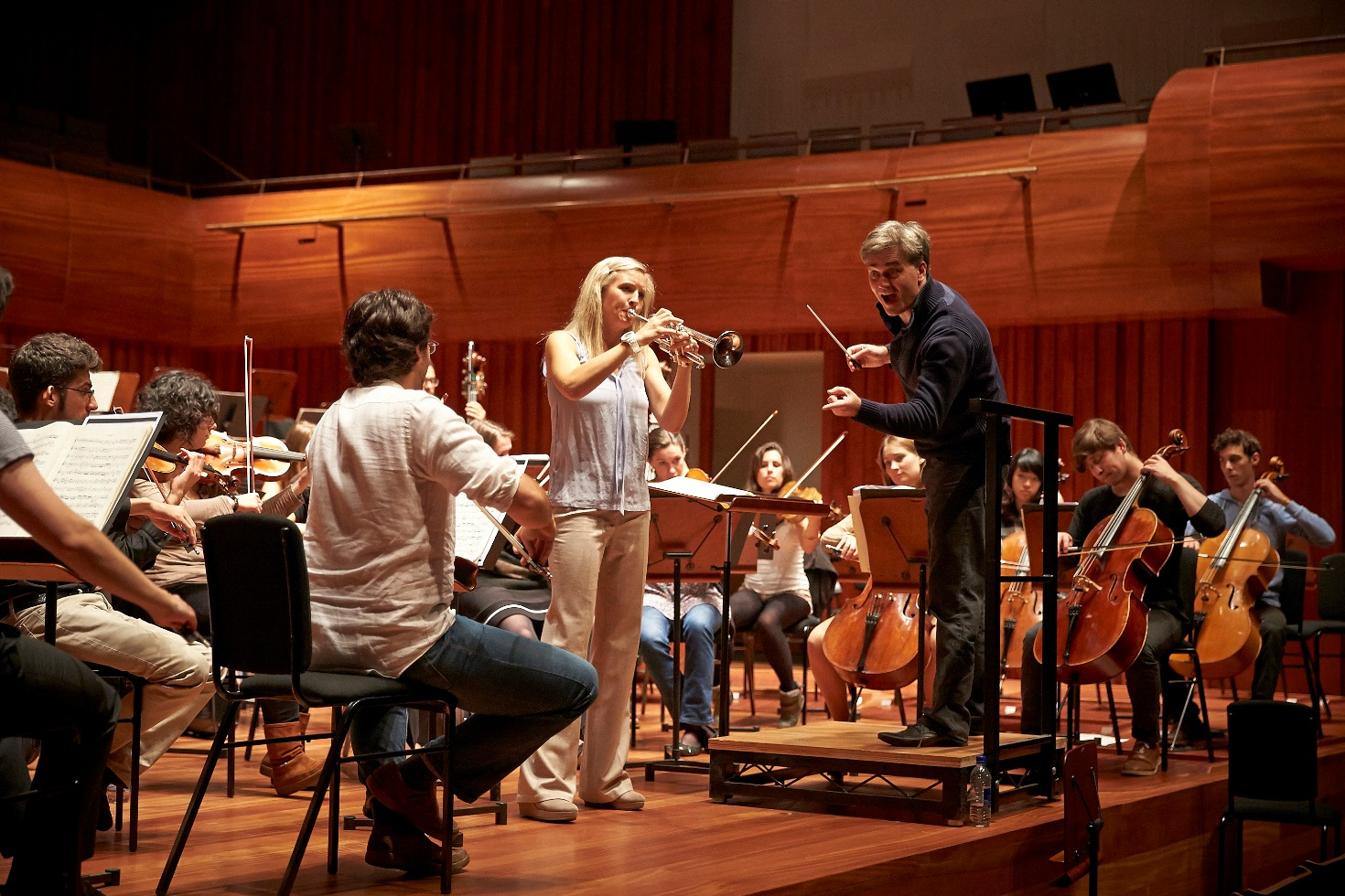 Alison Balsom rehearsing in Milton Court with Edward Gardner and the GSAMD Orchestra