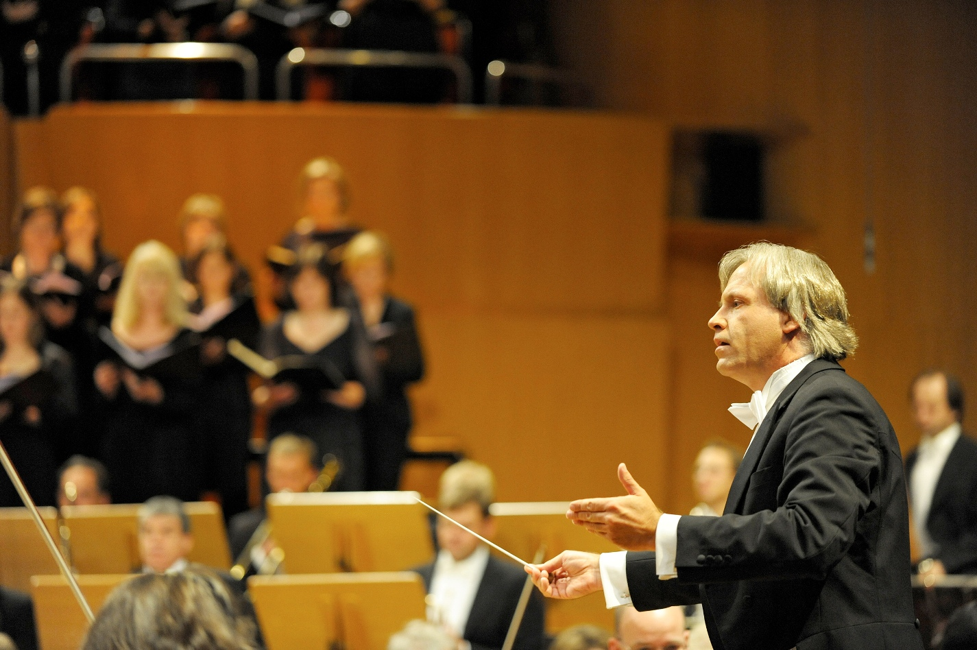 Stenz conducting Mahler 8 in rehearsal