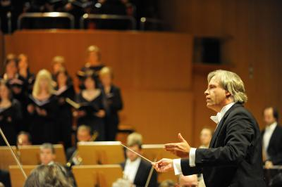 Markus Stenz conducting Mahler's Eighth in Colohne