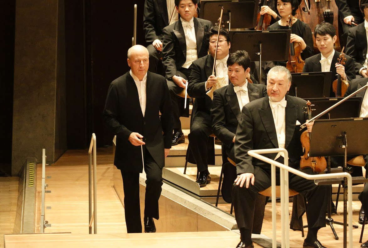 Paavo Jarvi and NHK Orchestra in Berlin