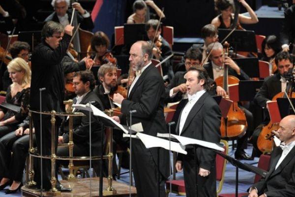 Michele Pertusi (William Tell) & John Osborn (Arnold Melchthal), with t