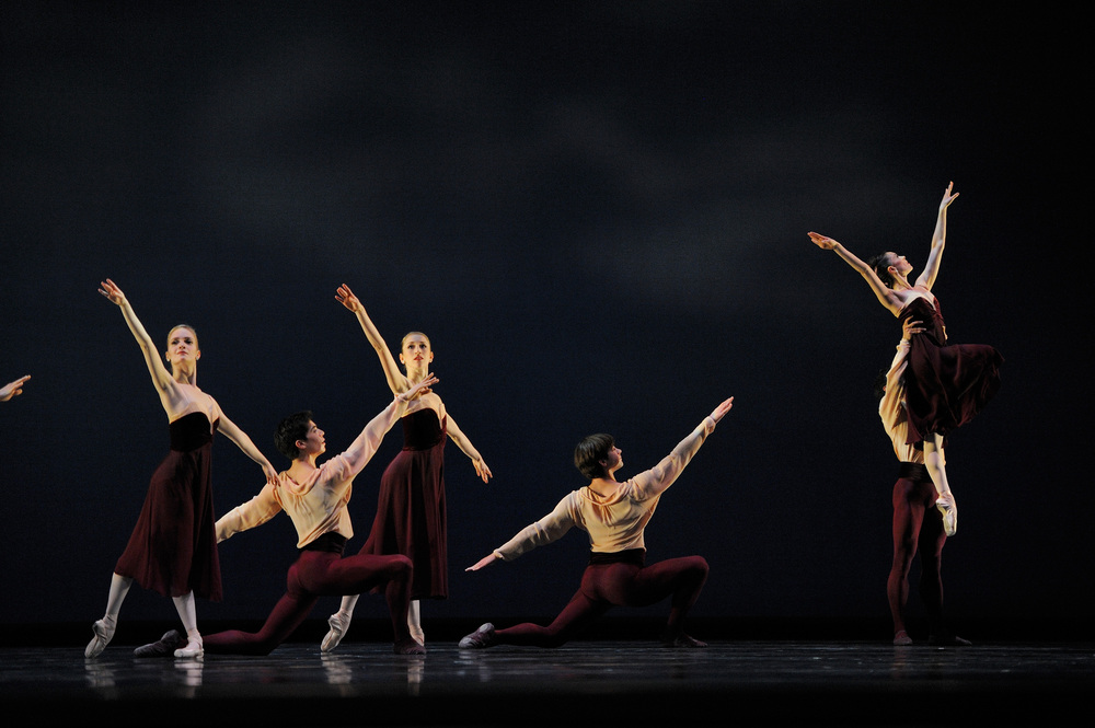 Artists of San Francisco Ballet in Mark Morris's Maelstrom