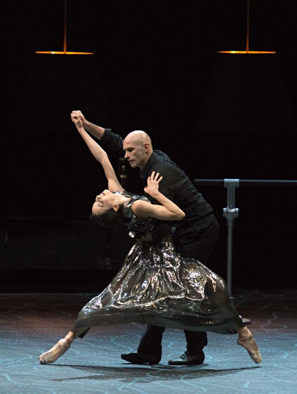 Ga?tan Morlotti and Diana Vishneva in Switch by Jean-Christophe Maillot