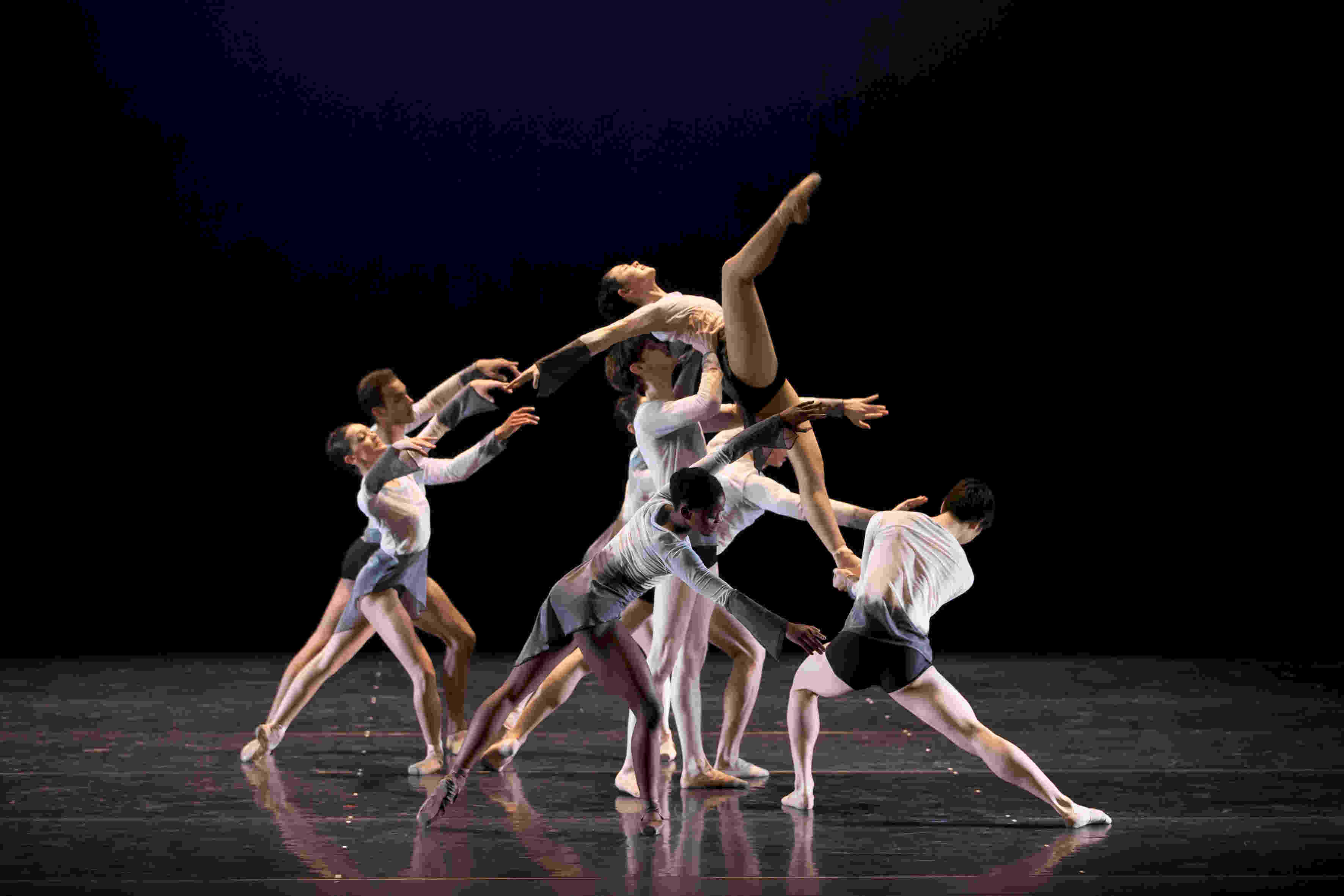 Dutch National Ballet Junior Company in George Williamson's Dawn Dances
