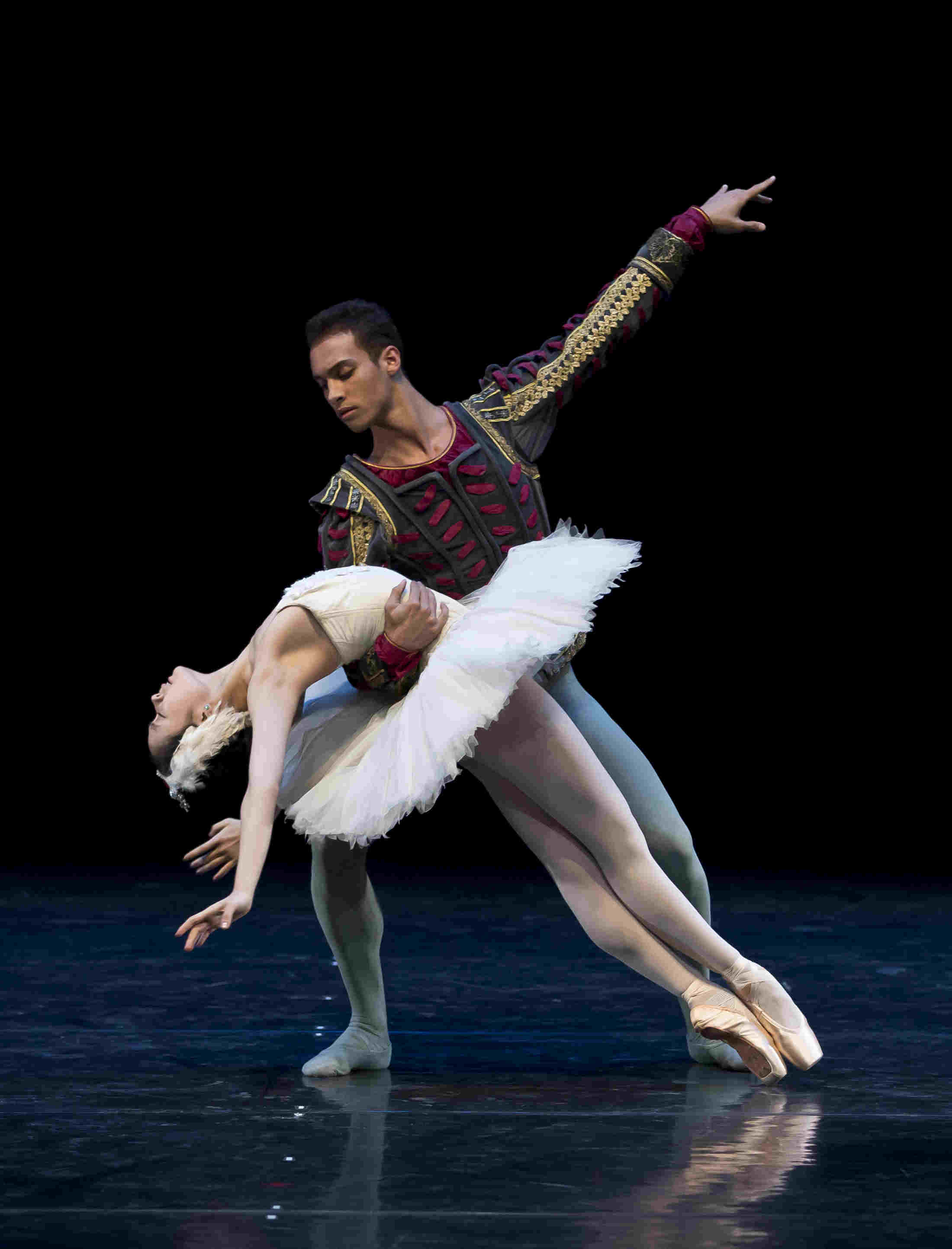 Jessican Xuan and Nathan Brhane in the white swan pas de deux from Swan Lake