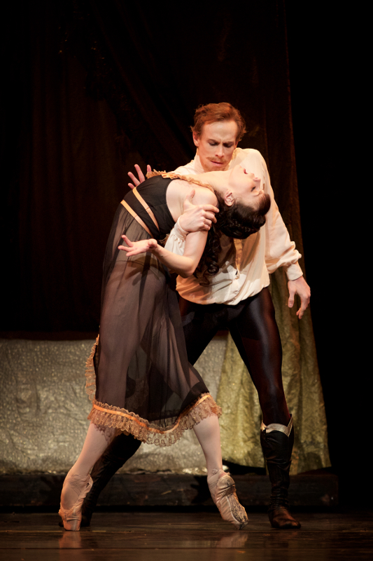 Natalia Osipova and Edward Watson in Kenneth MacMillan's Mayerling. Photo by Alice Pennefather.