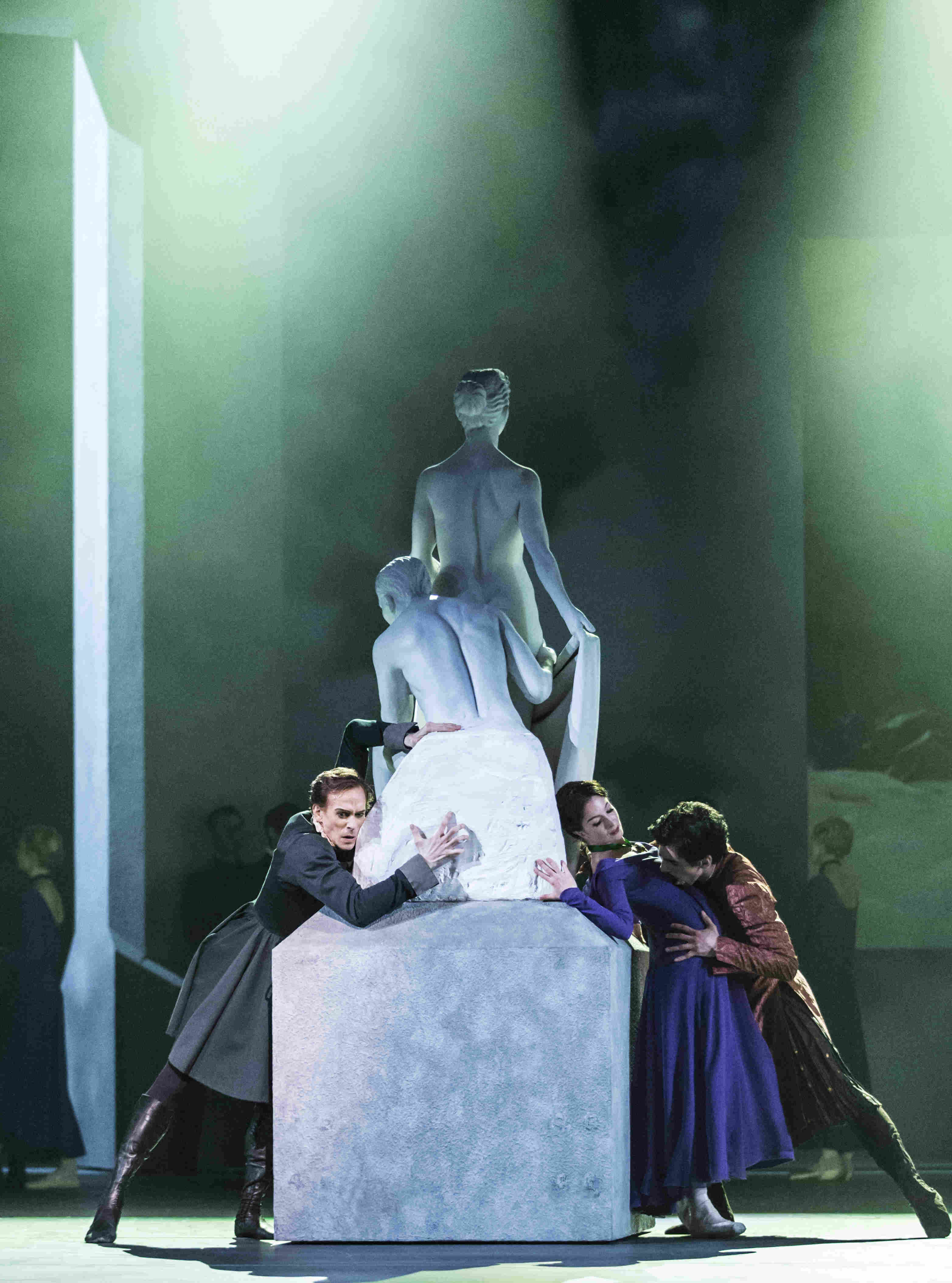 Ed Watson as Leontes, Lauren Cuthbertson as Hermione, Federico Bonelli as Polixenes in The Winter's Tale