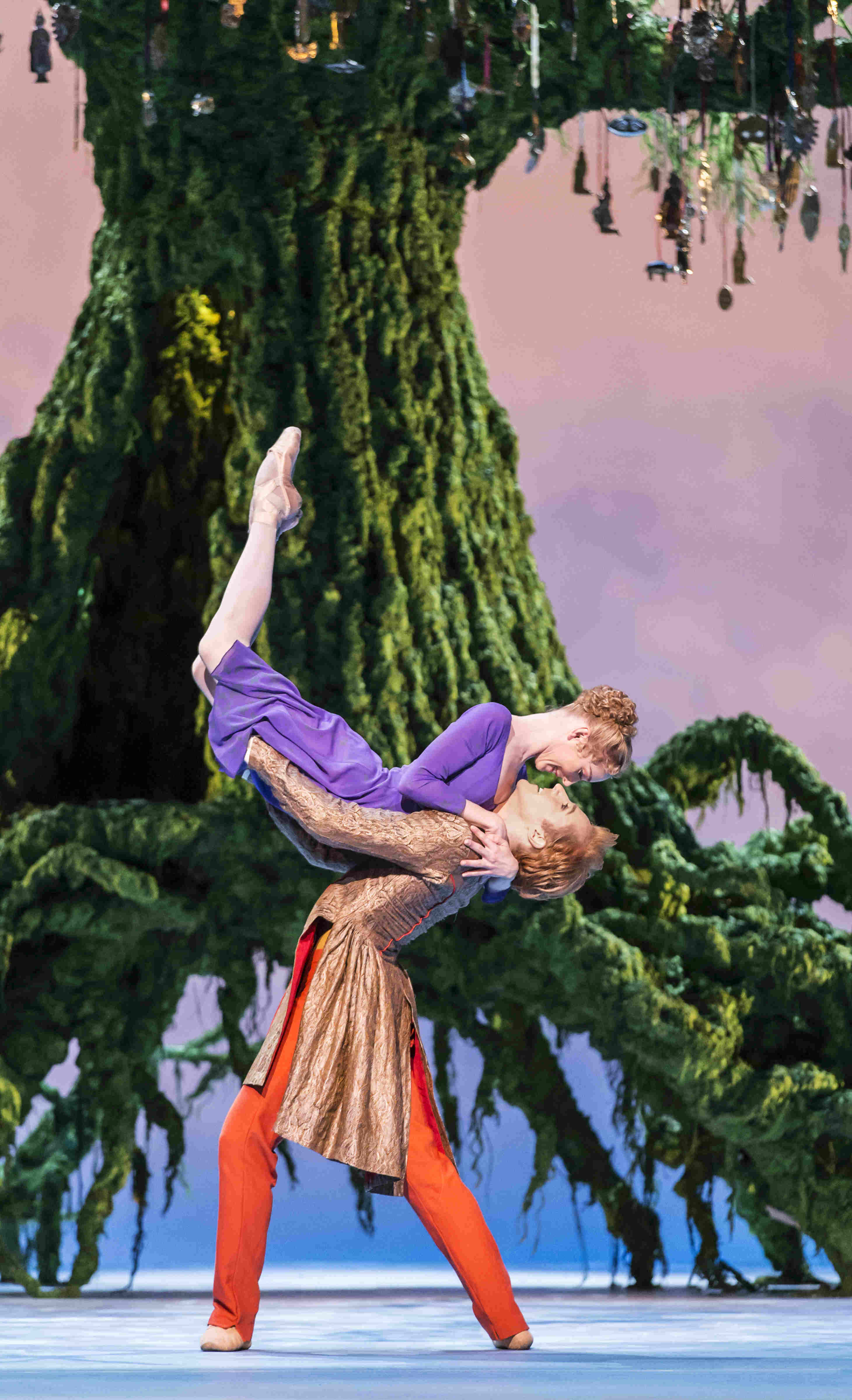 Sarah Lamb as Perdita and Stephen McRae as Florizel in The Winter's Tale