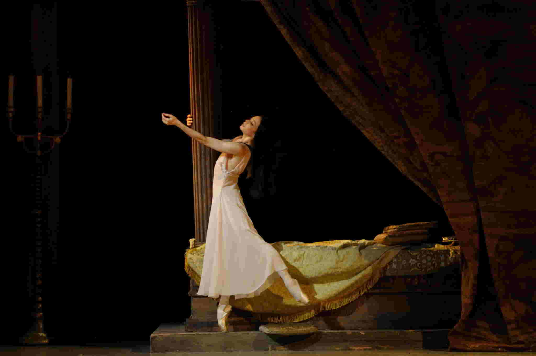 Diana Vishneva as Juliet in the Mariinsky Ballet Theatre production