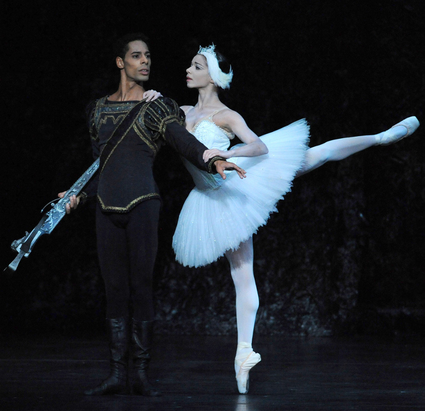 Tyrone Singleton as Prince Siegfried and Céline Gittens as Odette in Swan Lake. Photo by Roy Smiljanic.