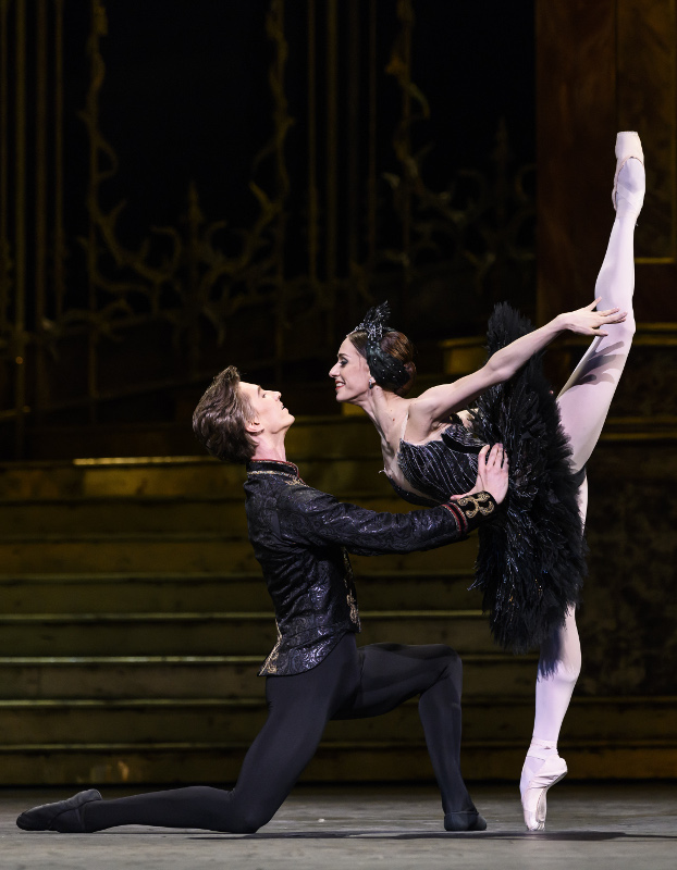 Vadim Muntagirov and Marianela Nuñez in Swan Lake. Photo by Bill Cooper.