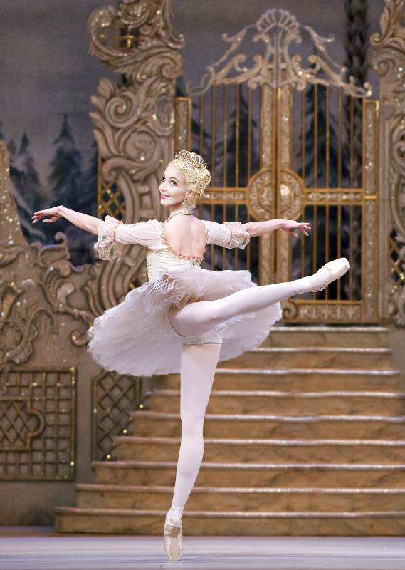 Lauren Cuthbertson as the Sugar Plum Fairy in The Nutcracker, Royal Ballet. Photo by Tristram Kenton.