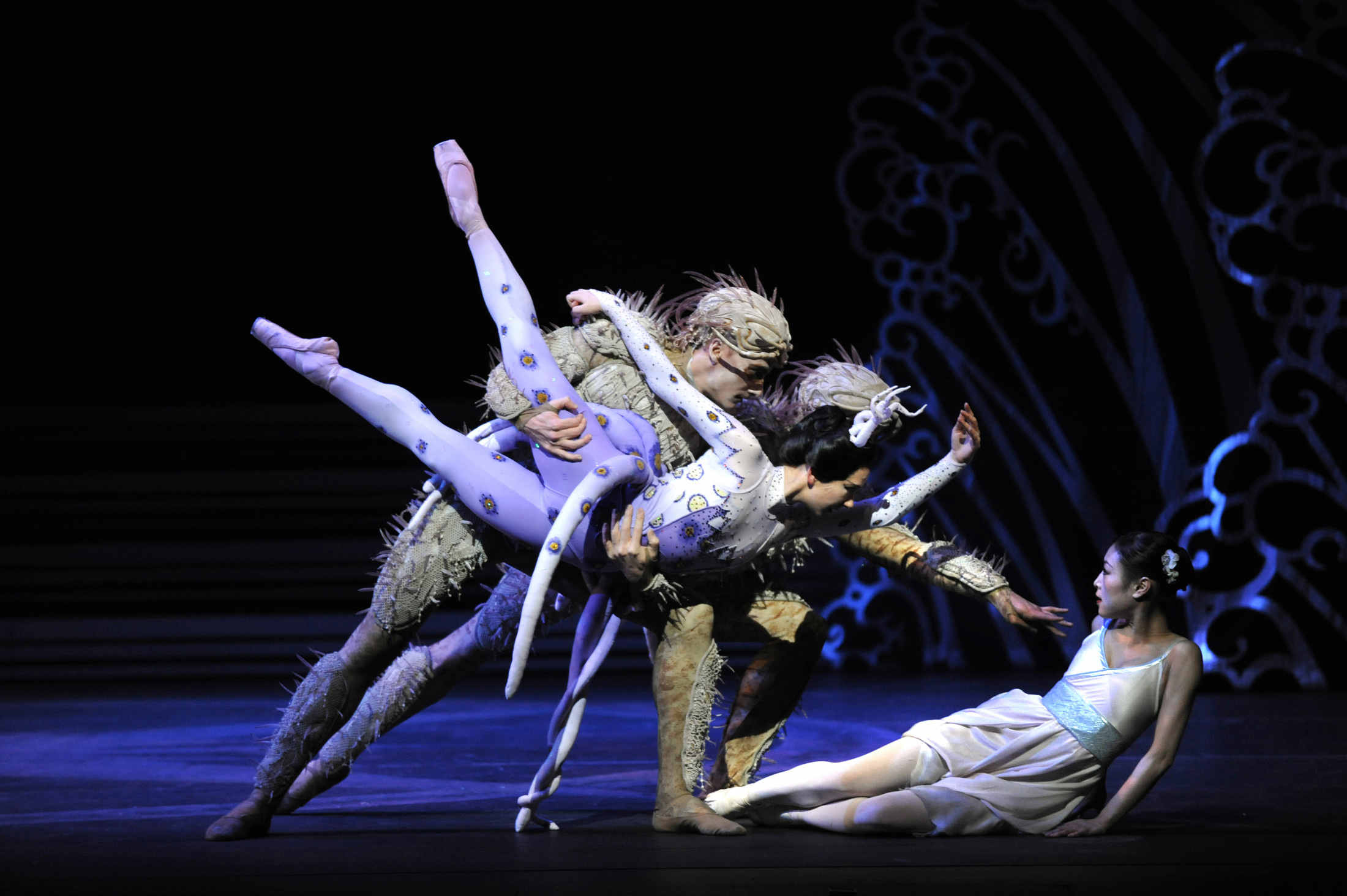 Elisha Willis as Empress Epine with Brandon Lawrence and Tom Rogers as Deep-Sea Creatures