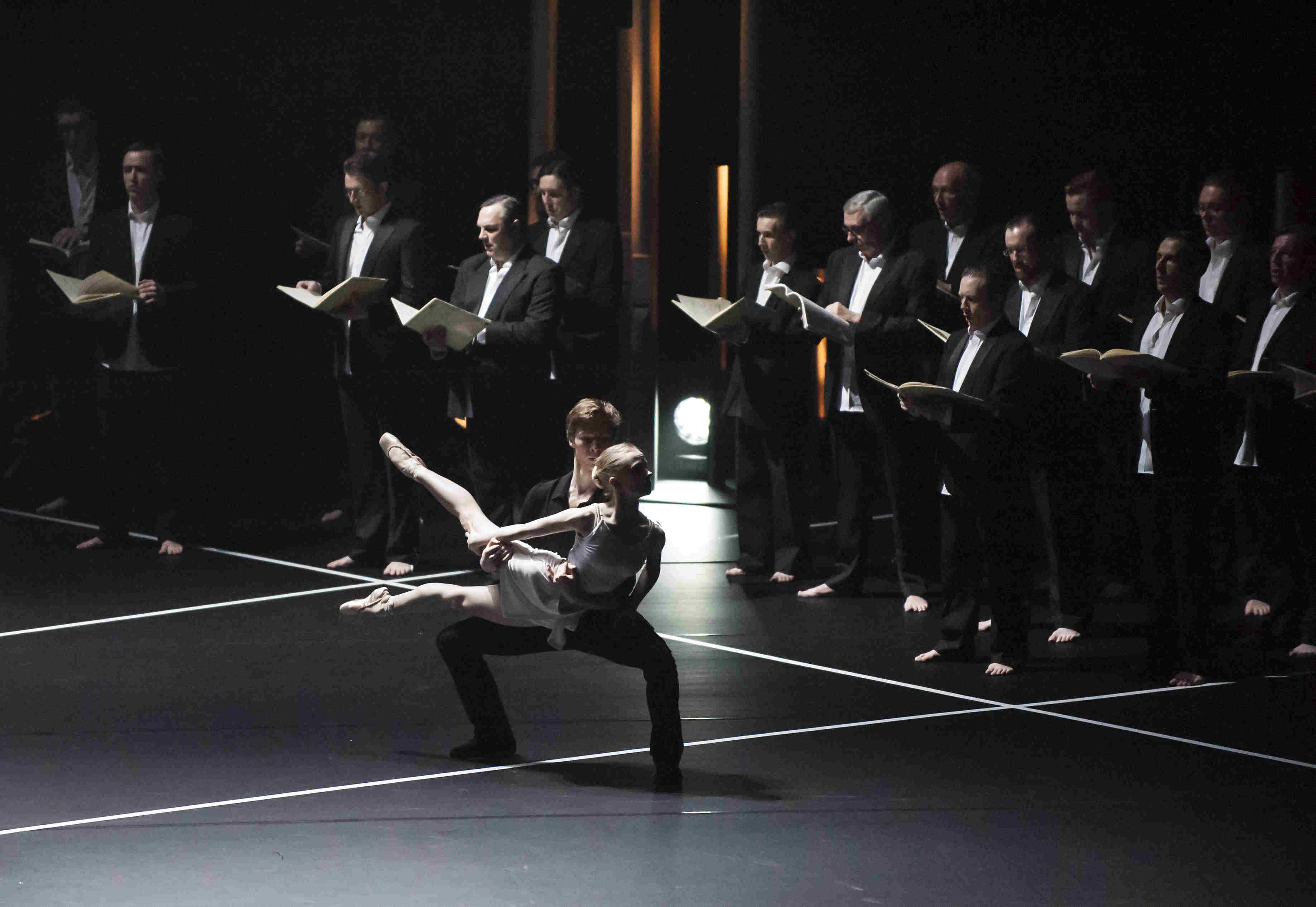 Karla Doorbar and Max Maslen dance in Duruflé's Requiem