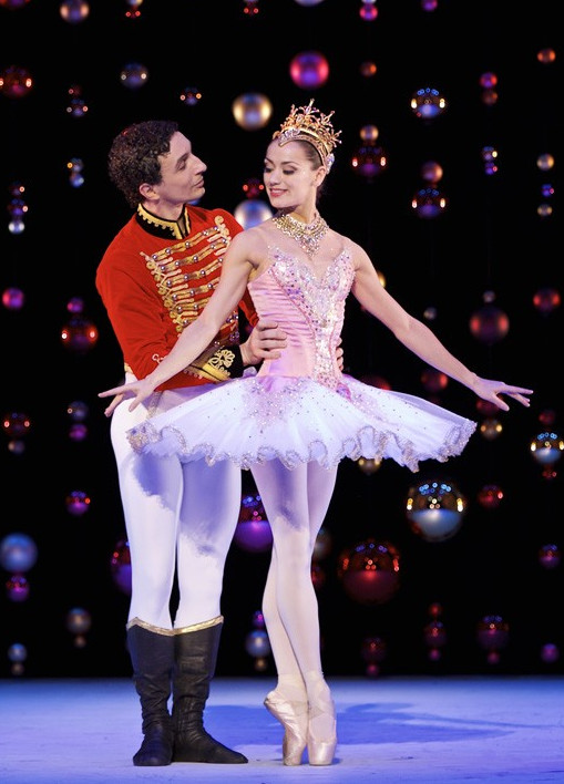 Erik Cavallari as the Nutcracker Prince with Sophie Martin as the Sugar Plum Fairy