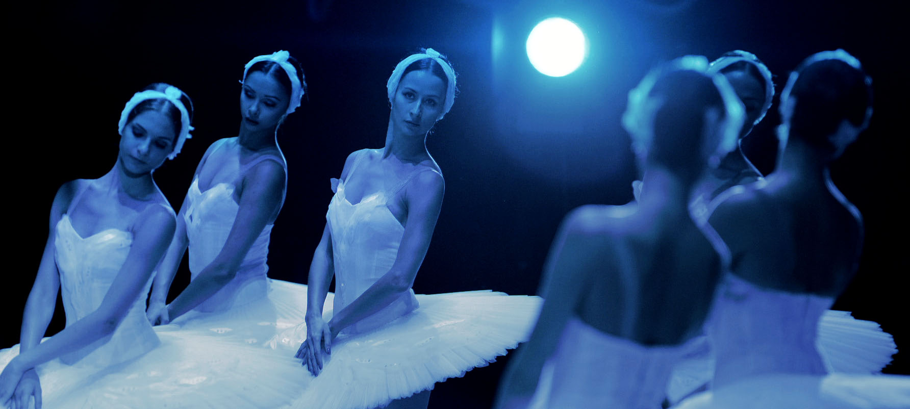 The Bolshoi's dancers perform 'Swan Lake'
