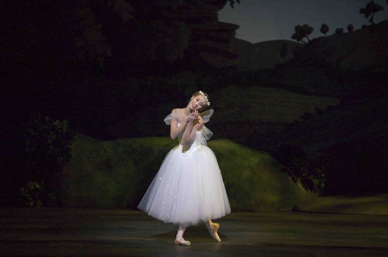 Gudrun Bojesen in a full production of 'La Sylphide'