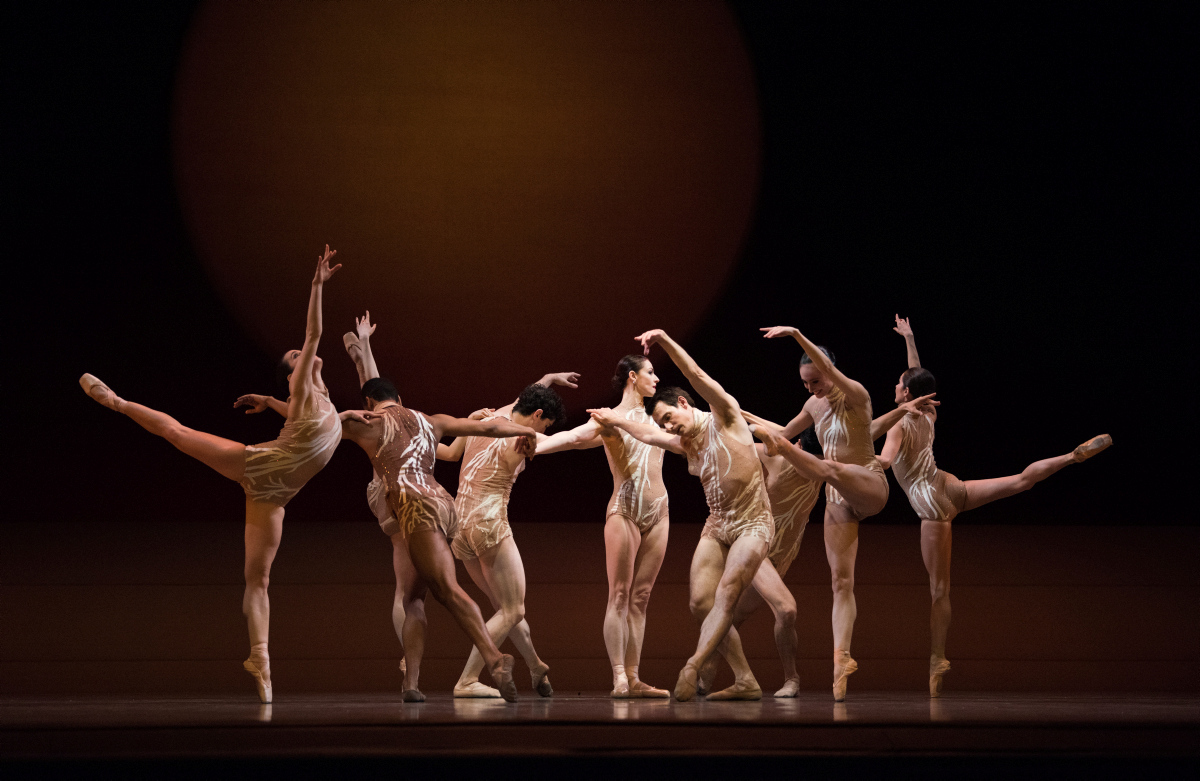 San Francisco Ballet in 'The Infinite Ocean' by Edward Liang