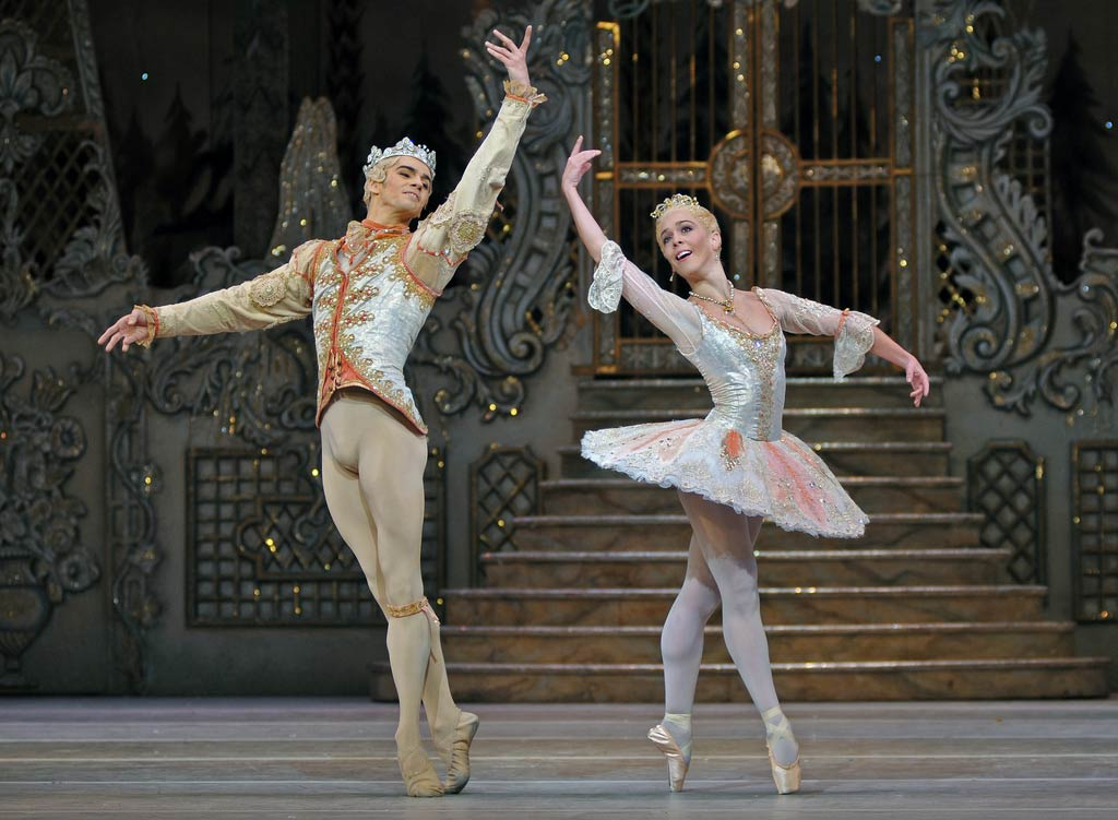 Laura Morera and Federico Bonelli as the Sugar Plum Fairy and the Prince