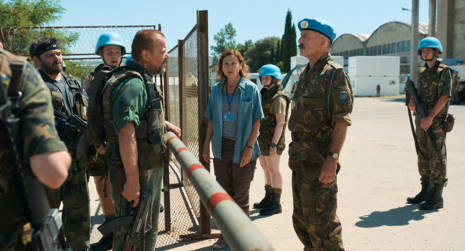 Aida at the gate of the UN compound - confrontation between UN and Serbian officers