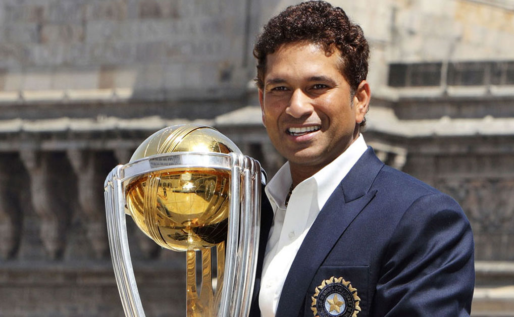 Sachin Tendulkar holds World Cup