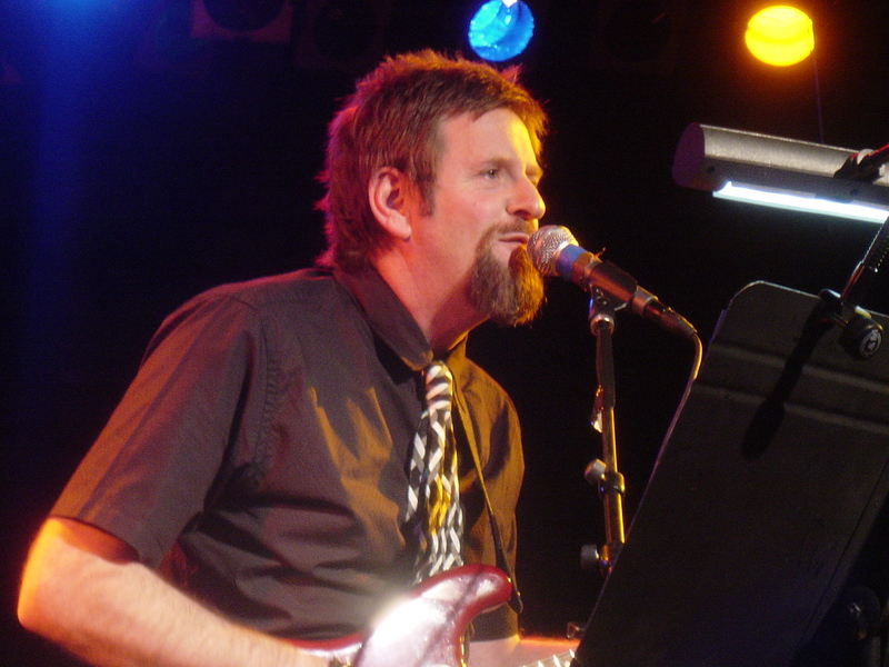 Green Gartside on stage