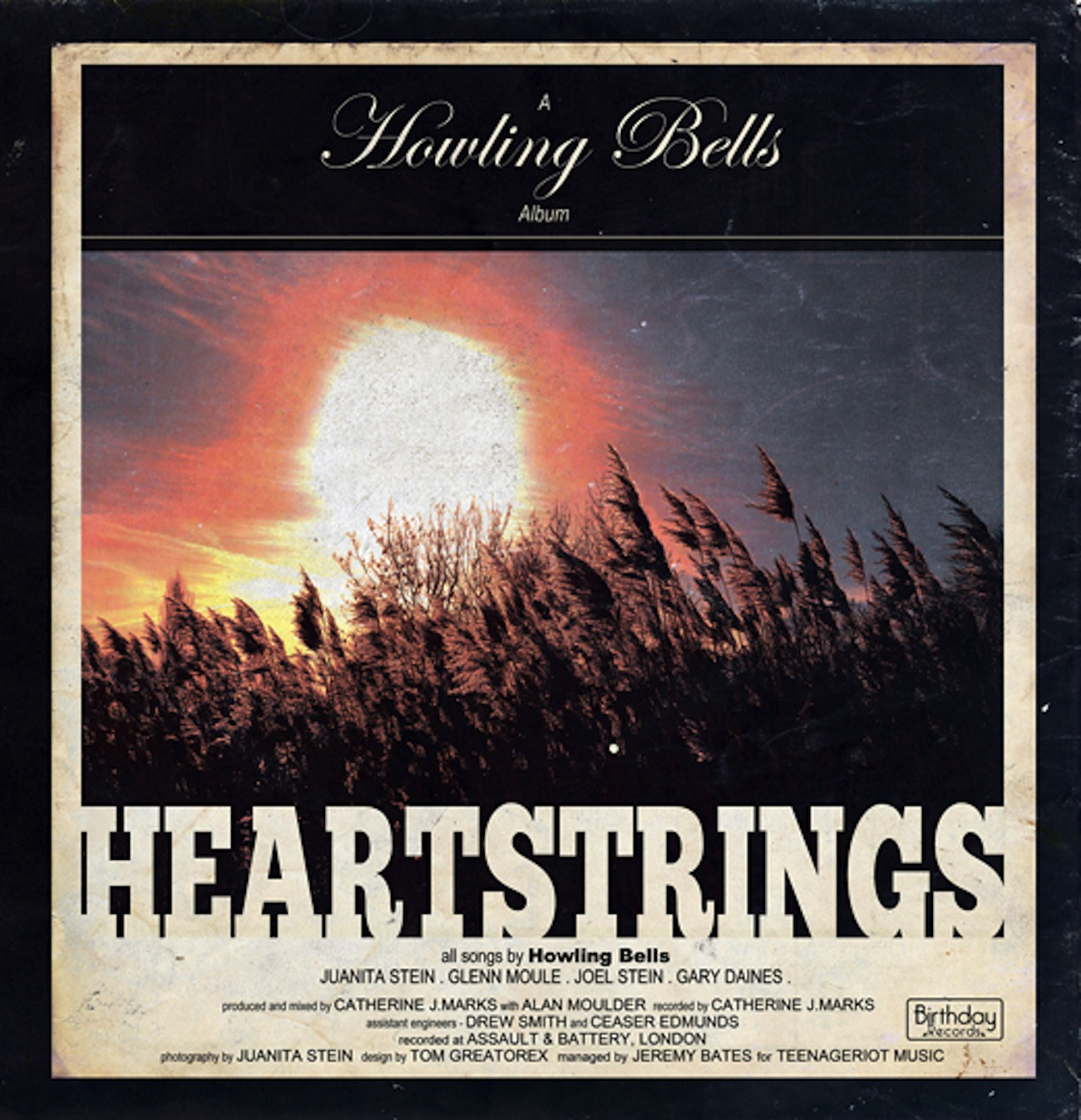 Howling Bells - Heartstrings artwork