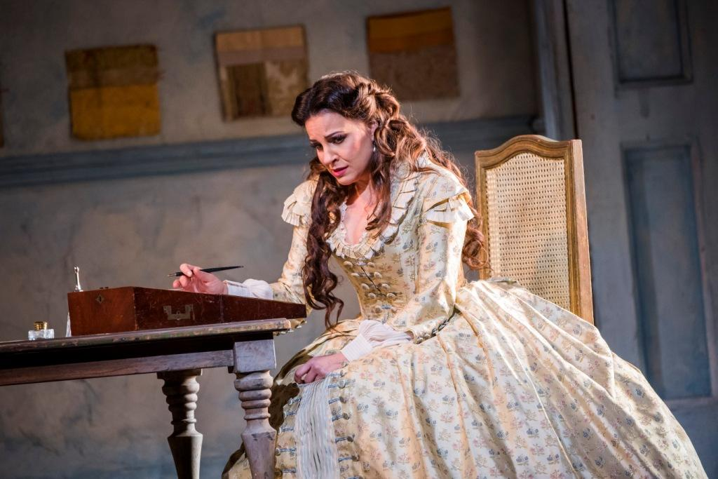 Joyce El-Khoury in La Traviata at the Royal Opera House