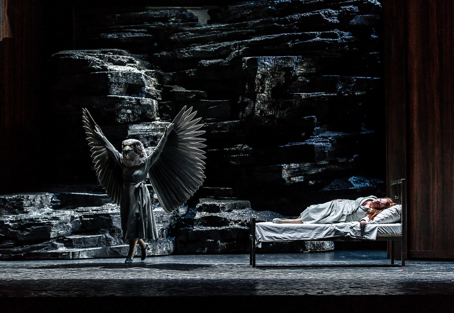 Falcon and Empress in Royal Opera Frau ohne Schatten
