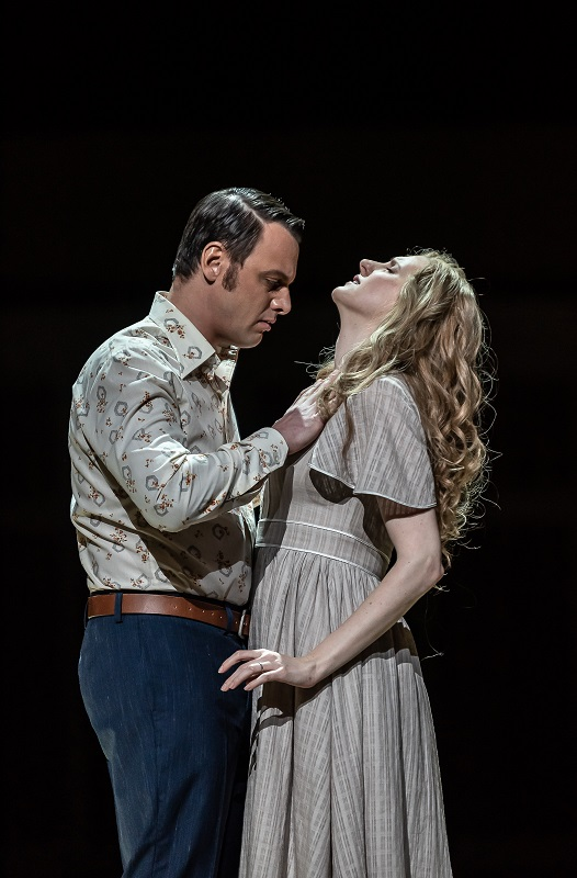Pavel Cernoch and Amanda Majeski as Boris and Katya
