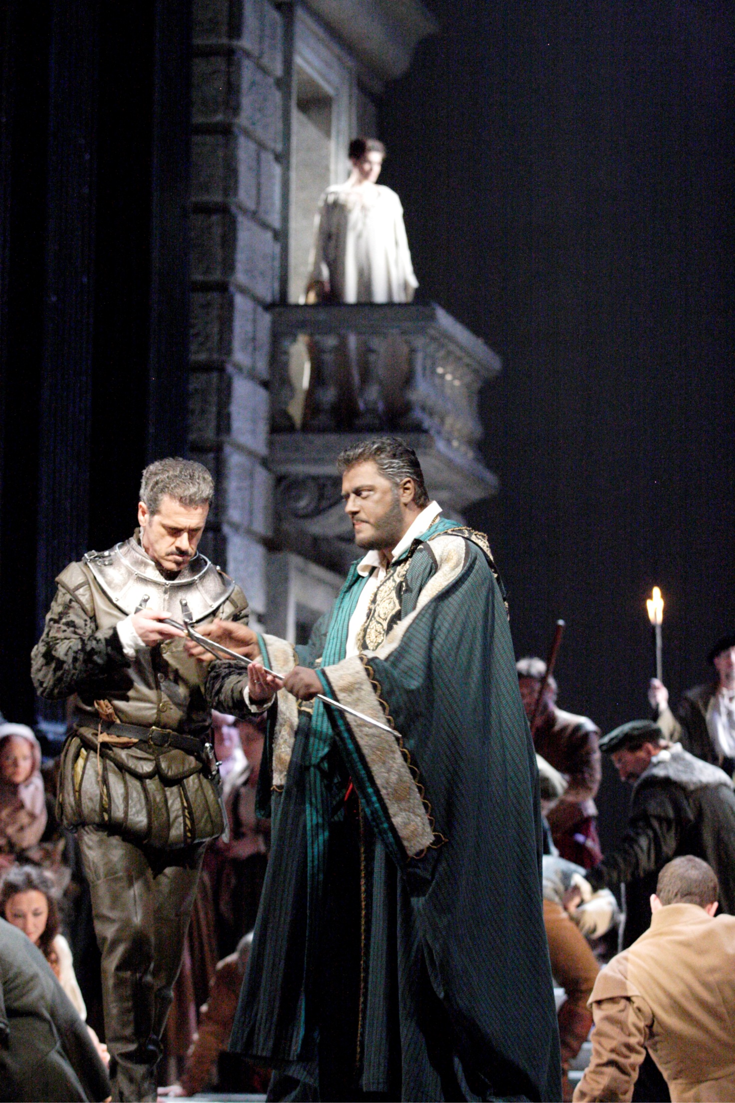 Lucio Gallo as Iago and Aleksandrs Antonenko as Otello in the Royal Opera production of Otello
