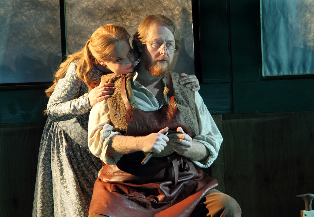 Rachel Nicholls as Eva and Iain Paterson as Hans Sachs in ENO Mastersingers