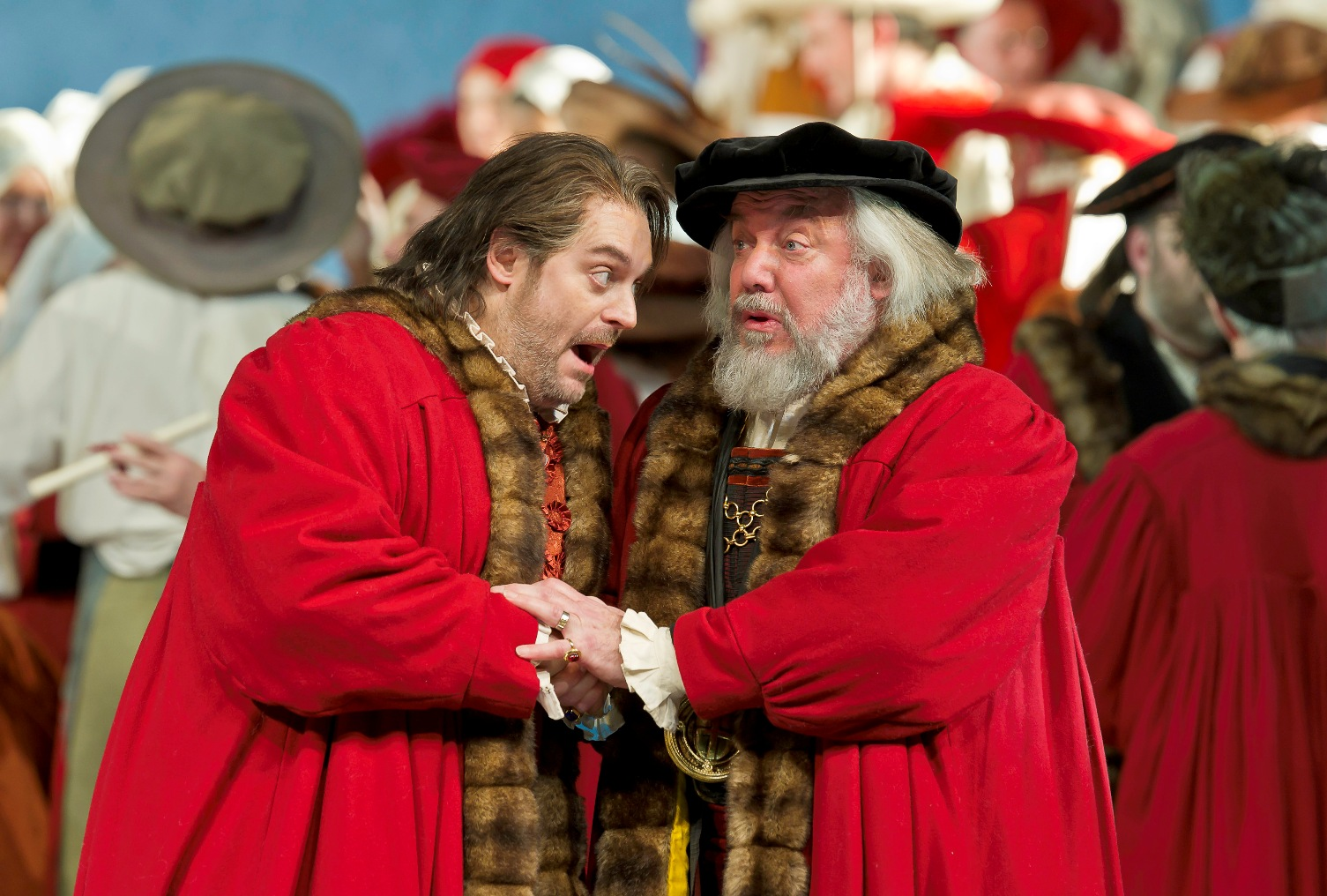 Wolfgang Koch's Sachs greets John Tomlinson's Pogner in Act III of the Royal Opera Meistersinger